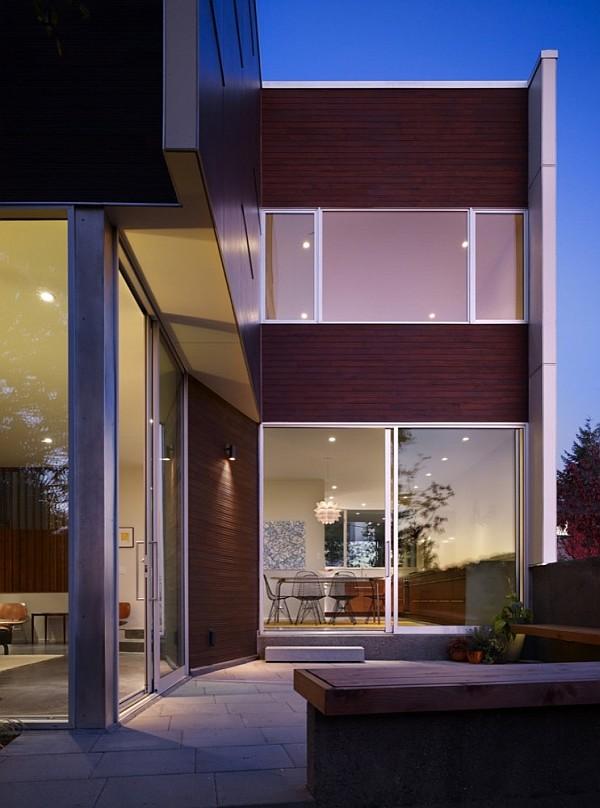 Modern House With Fancy Backyard By SHED Architects - Modern house backyard