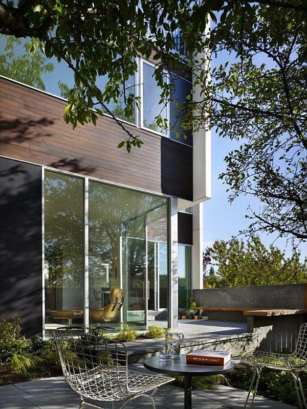 Fancy Backyard Sheds : Modern House With Fancy Backyard by SHED Architects