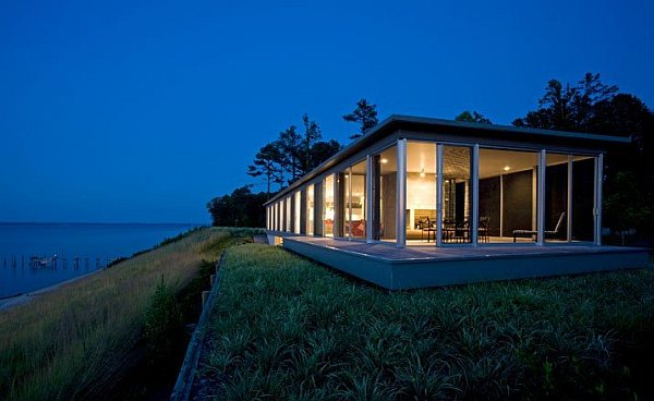 Glass House on Rappahannock River 1 Wrapped in Glass: Rappahannock River House in Virginia