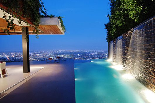 luxurious-property-with-stunning-views-in-la-9