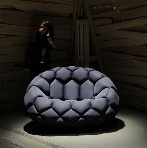 modern quilt sofa 1 Quilt Inflatable Sofa Looks Like Giant Soccer Ball