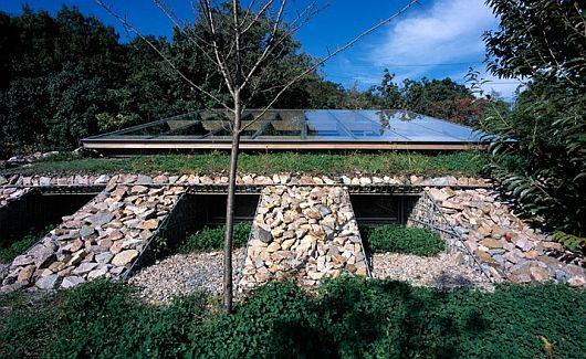 base valley house japan by hiroshi sambuichi 4 Base Valley House, Japan – Hiroshi Sambuichi