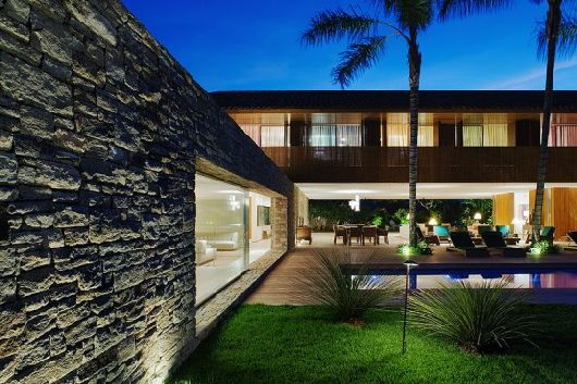 laranjeiras house by marcio kogan 8 Laranjeiras House by Marcio Kogan – A dreamy beach house