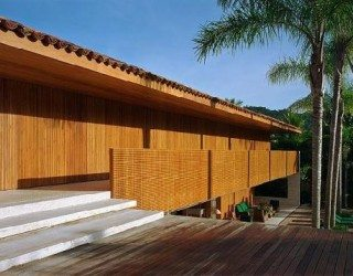 Laranjeiras House by Marcio Kogan – A dreamy beach house