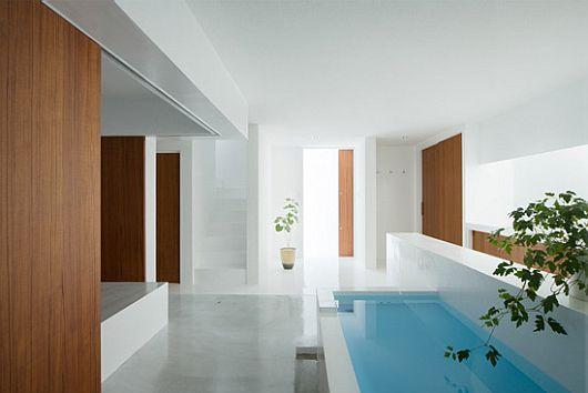 minimalist white house by koichi kimura