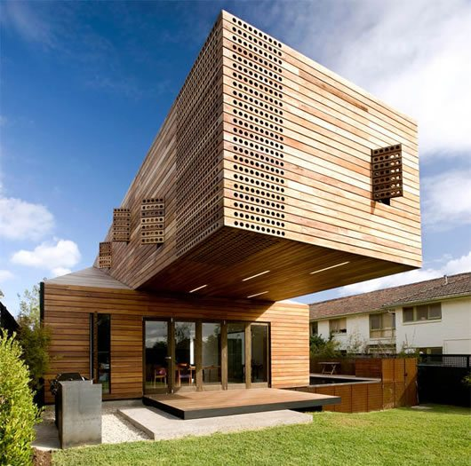 trojan house melbourne 1 Trojan House Wraps Itself in Timber