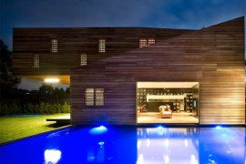 Trojan House Wraps Itself in Timber