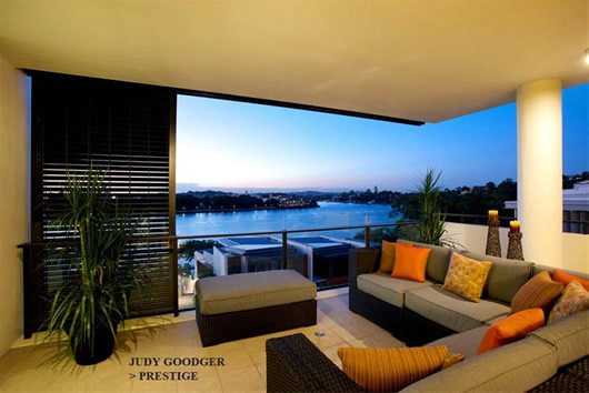 Contemporary Riverside Apartment in Brisbane