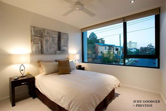 Contemporary Riverside Apartment in Brisbane 7