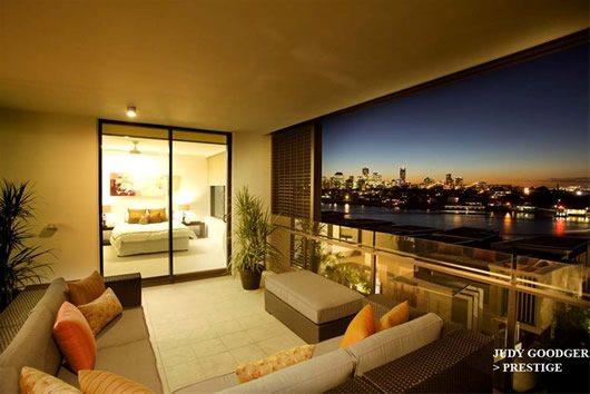 Contemporary Riverside Apartment in Brisbane 9