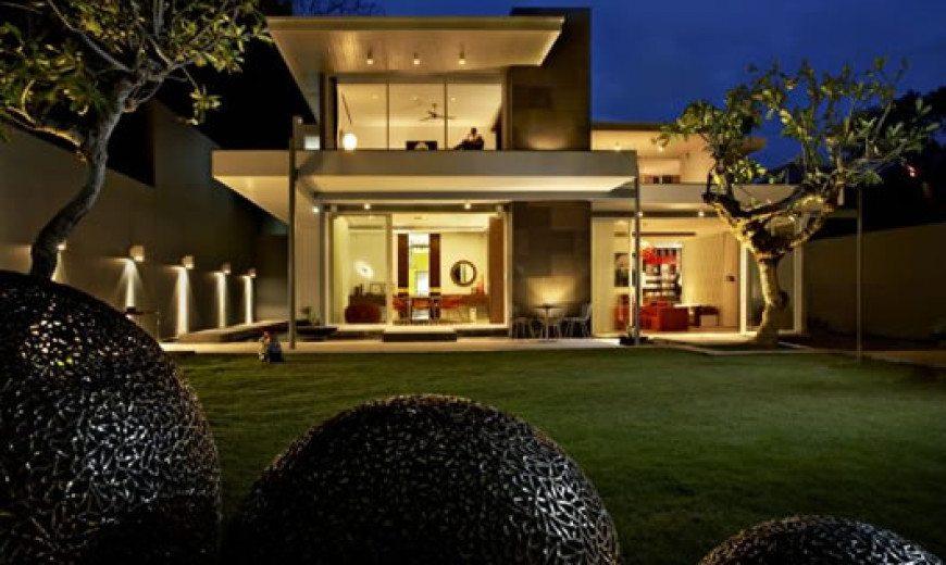 Luna2 Private Hotel in Bali for super-rich clients