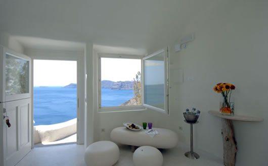 Mystique Hotel in Santorini 3