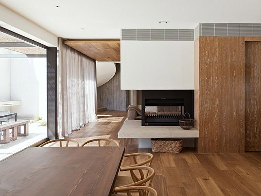 Yarra House by Leeton Pointon and Susi Leeton
