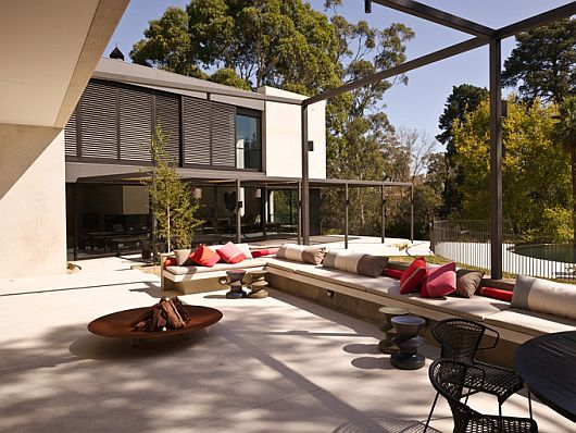 Yarra House by Leeton Pointon and Susi Leeton Yarra House by Leeton Pointon and Susi Leeton