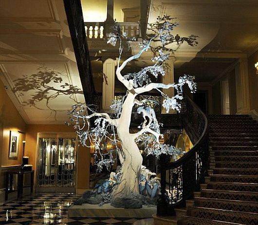 Christian Dior Christmas Tree 1 Christian Dior Christmas Tree Brings a Wild Habitat to Life
