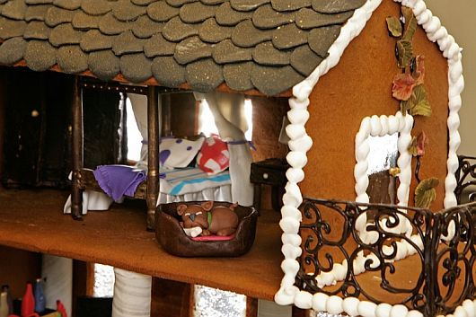 Christmas Decoration - World Most Expensive Gingerbread House