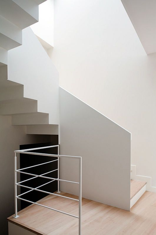 Mysterious Modern Q House 7