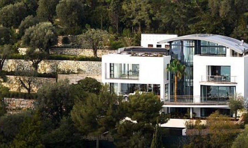 Contemporary Rental Home in Cap Ferrat, Southeastern France
