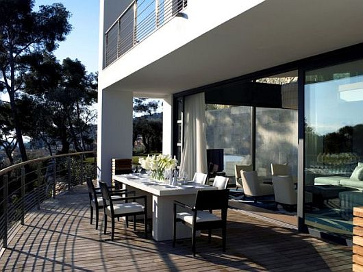 Contemporary Villa O, Cap Ferrat, Southern France