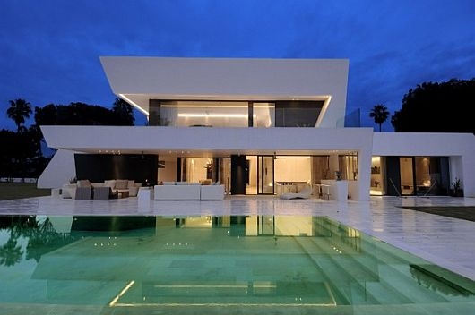 Exquisite All White Sotogrande House 1 Exquisite All White Sotogrande House With Stylish Pool