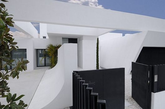 Exquisite All White Sotogrande House 10
