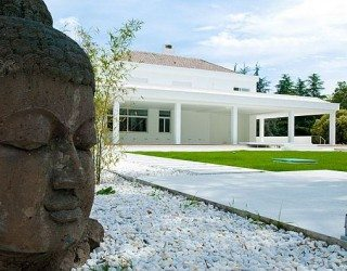 Sleek White Contemporary Villa in Madrid