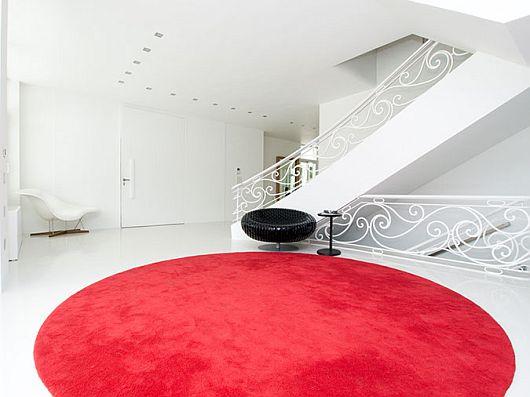 Sleek White Contemporary Villa in Madrid 4