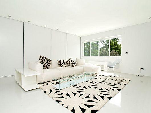 Sleek White Contemporary Villa in Madrid 5