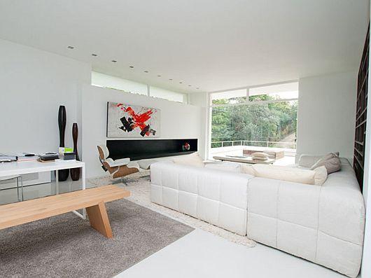 Sleek White Contemporary Villa in Madrid 6