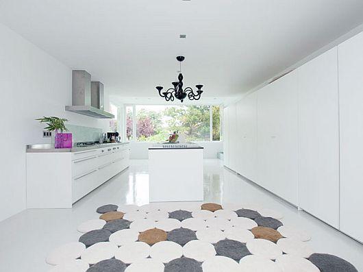 Sleek White Contemporary Villa in Madrid 7
