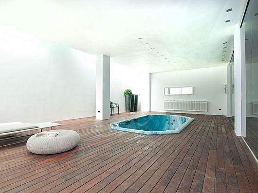 Sleek White Contemporary Villa in Madrid 8