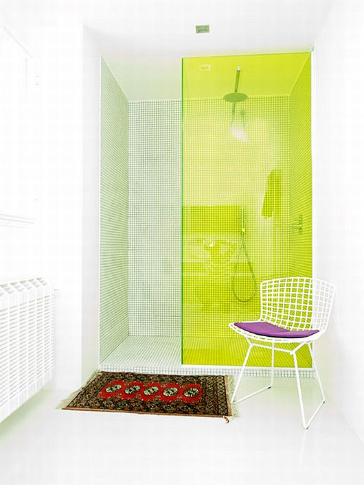 Sleek White Contemporary Villa in Madrid 9