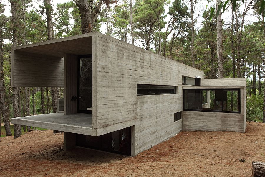 Forest jd house by bak architects in argentina for Precast concrete home designs