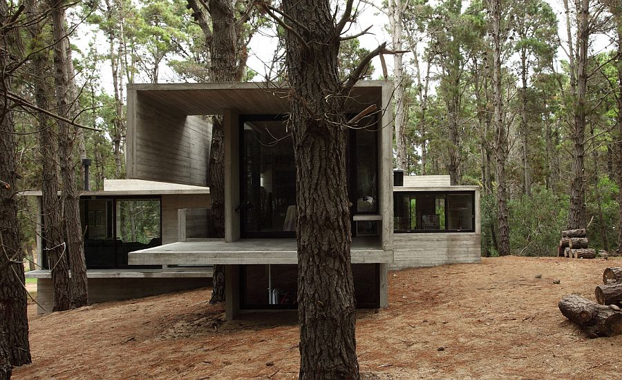 House made of concrete