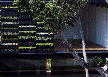 "Maximum Garden House by Formwerkz coins the hybrid ""Garden Wall"""