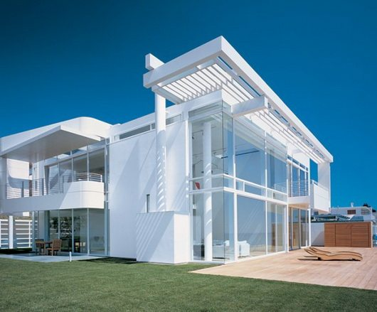 beach house 6 California beach house by Meier and Palladino, intense white and ocean