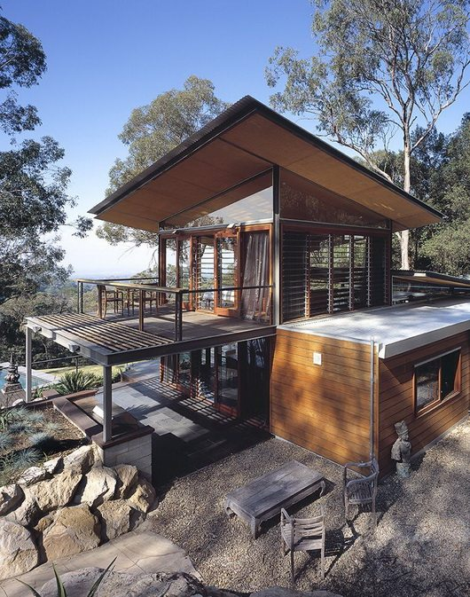 bowen 17 Bowen Mountain House by CplusC Architecture breathes in the environment