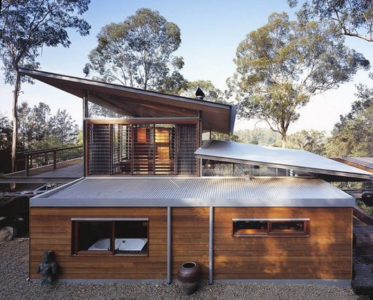 bowen 18 Bowen Mountain House by CplusC Architecture breathes in the environment