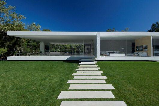 steve hermann 2 Glass Pavillion by Steve Hermann, minimalistic and opulent