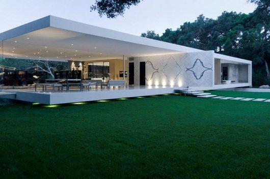 steve hermann 6 Glass Pavillion by Steve Hermann, minimalistic and opulent