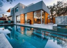 Texas City View Residence by Dick Clark Architecture