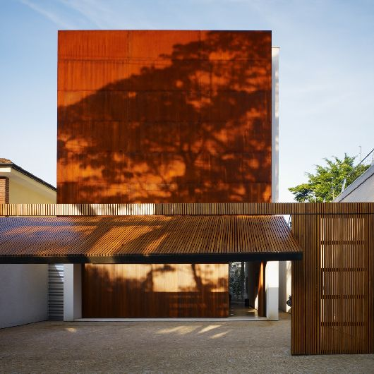 Corten House Marcio Kogan 1 Incredible steel house in Sao Paulo   The Corten House