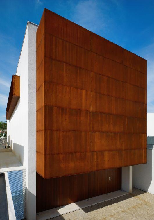 Corten House – Marcio Kogan 2