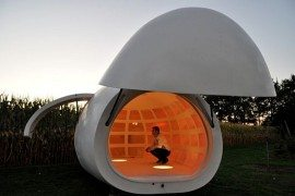 Egg-like Structure Mobile Unit Doubles as Garden Office or House