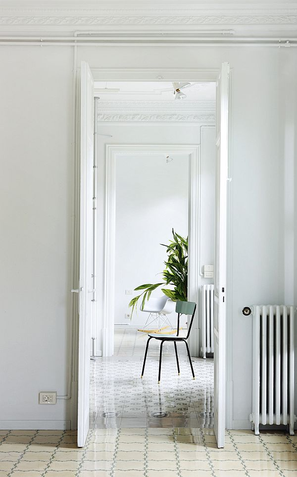 White Renovated Apartment in Barcelona 12