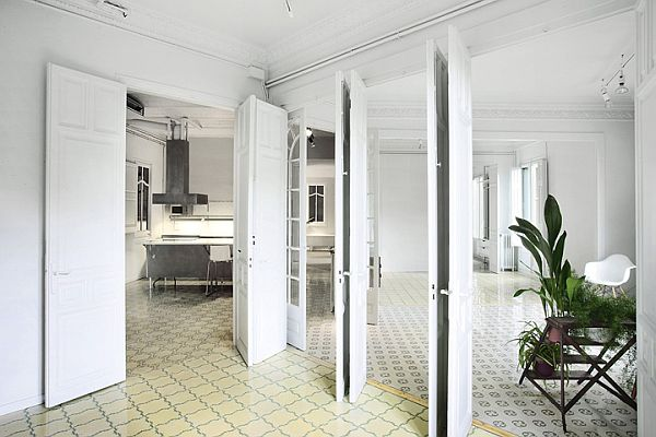 White Renovated Apartment in Barcelona 7