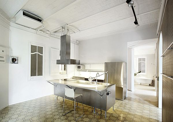 White Renovated Apartment in Barcelona 8