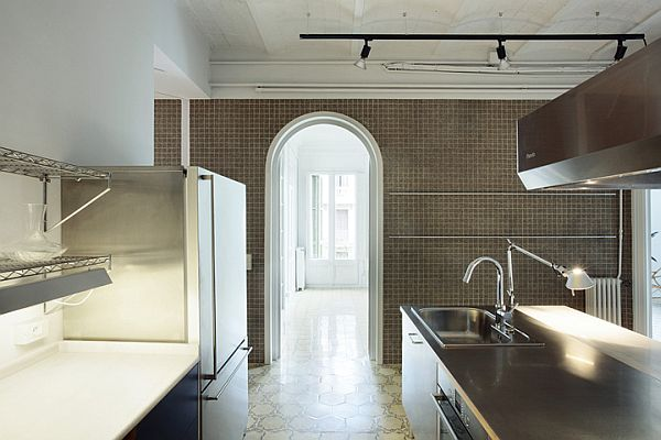 White Renovated Apartment in Barcelona 9