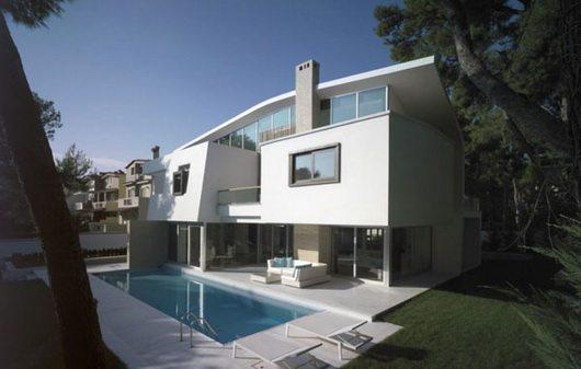 ekali 2 Amazing white suburb house in Athens
