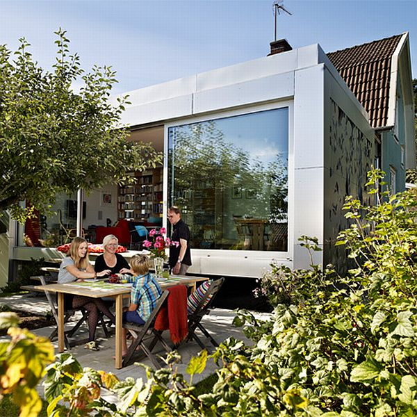 Arkitektur arkitektur garden : Renovated Home with a Bright Aluminium Facade by UNIT Arkitektur AB